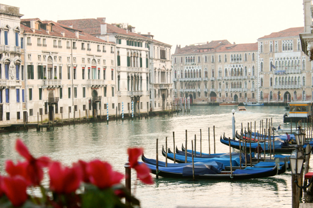 Grand Canal Gondala Venice | thefoodiesway.co.uk
