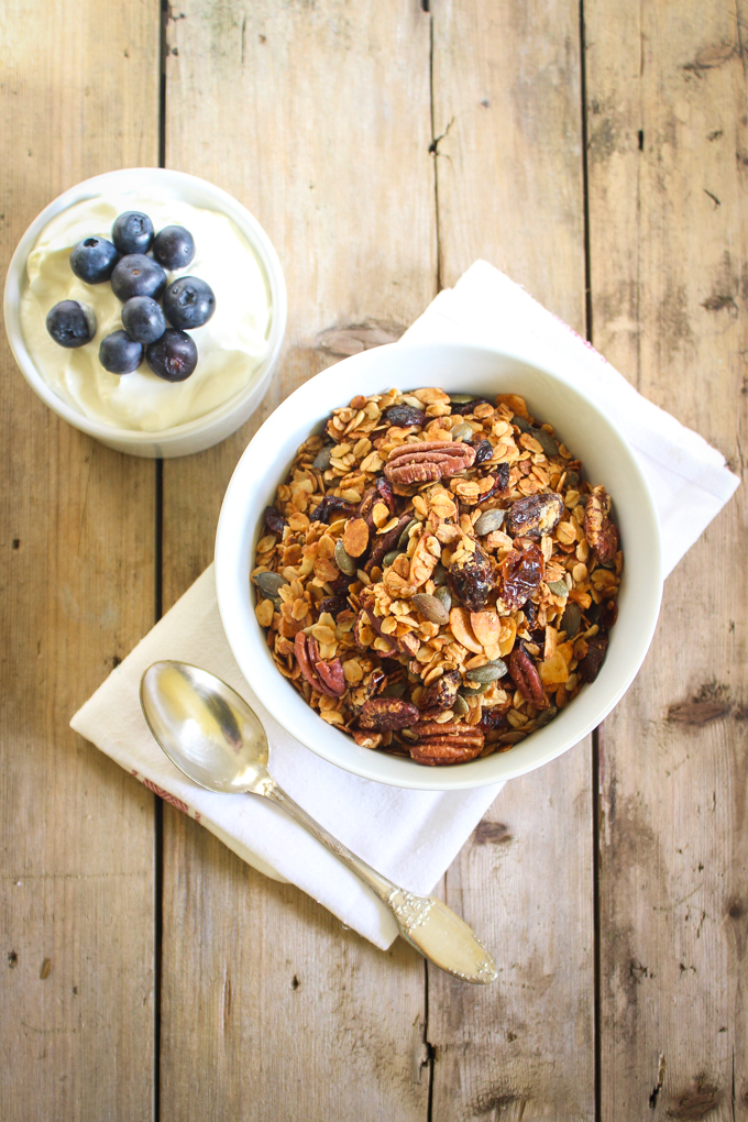 Honey, Pecan & Date Granola|thefoodiesway.co.uk