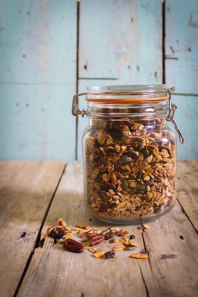Honey, Pecan & Granola Jar |thefoodiesway.co.uk