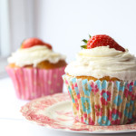 Strawberry Champagne Cupcakes|thefoodiesway.co.uk