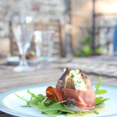 Figs Stuffed With Herb Ricotta|thefoodiesway.co.uk