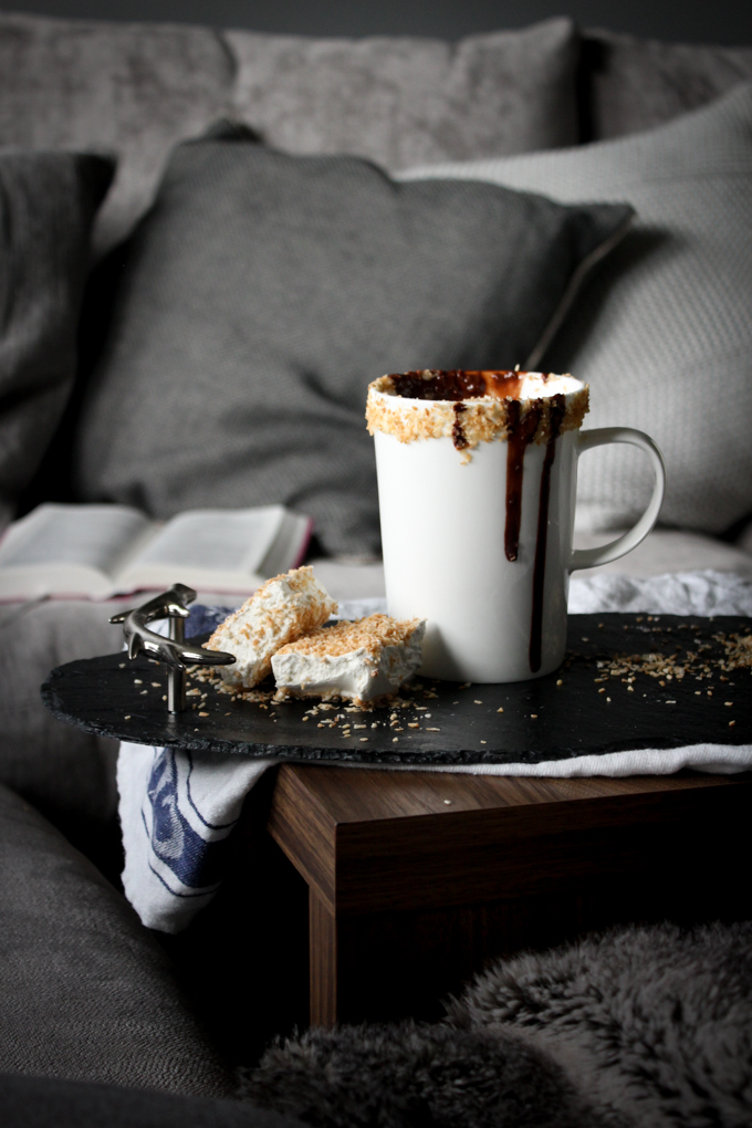 Coconut Hot Chocolate|thefoodiesway.co.uk